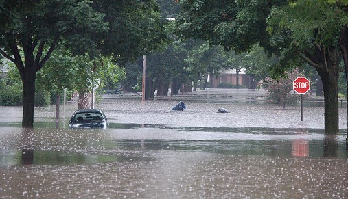 "Iowa is getting used to extraordinary floods, such as these in 2008, but ""extraordinary"" doesn't begin to cover what could happen to California. Soon. (USGS photo)"