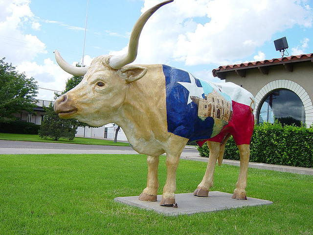 Longhorn beef cattle made Texas, as the statue suggests, and are killing Plainview, Texas, where the statue is located. Whose fault is it? (Photo by Brykmantra/Flickr)