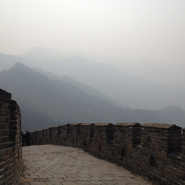 The Great Wall of China proves ineffective against pollution. Maybe if they made it bigger. (Photo by ToGa Wanderings/Flickr)